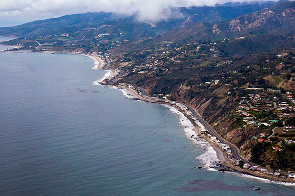 Malibu-Discovery-Flight LUXURY HANDS-ON DISCOVERY FLIGHT LOS ANGELES COAST LINE FOR TWO $349