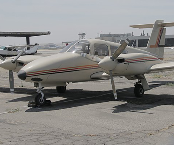PIPER-SEMINOLE-ENCORE-FLIGHT-N83628-1 Fleet of Aircraft Rental at Van Nuys Airport | Encore Flight Academy