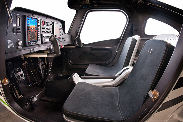 Cessna-162-skycastcher Cessna 162 Skycatcher Aircraft Rental Los Angeles